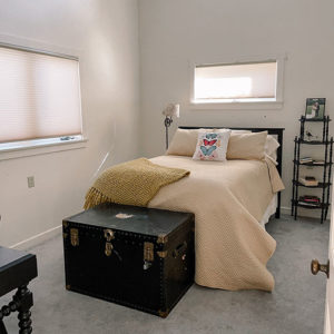 swift-run-farm-retreat-bedroom-2